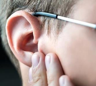 How to Clear a Blocked Ear: a step by step guide