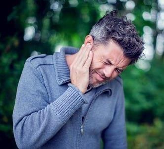 De 5 meest voorkomende oorzaken van oorpijn