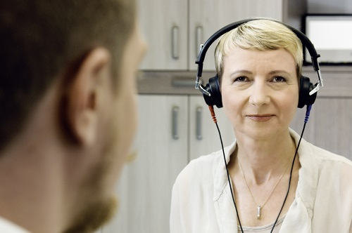 Kleine diskrete Hörgeräte