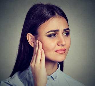 La pression dans l'oreille : causes et remèdes
